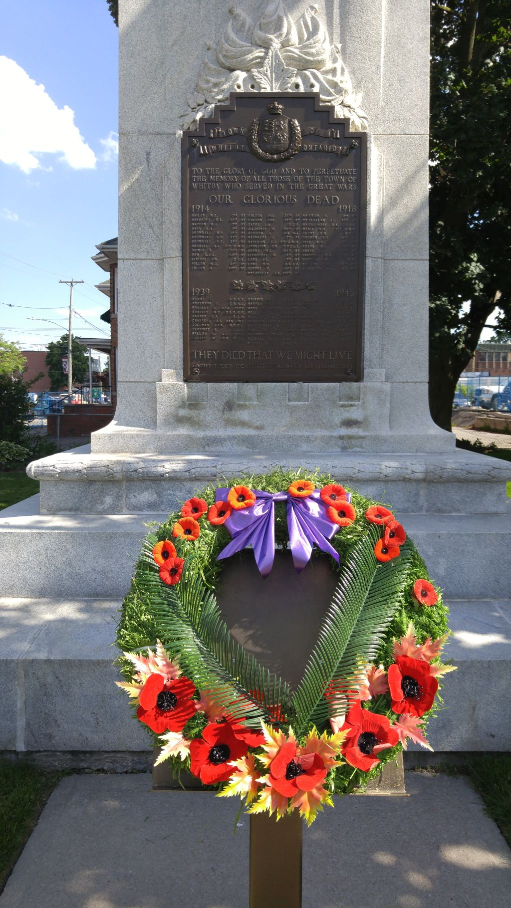 wreath at cenotaph resized smaller june 2016